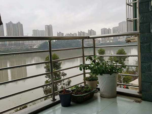 出售阳光水岸3室2厅2卫148平米93.8万住宅