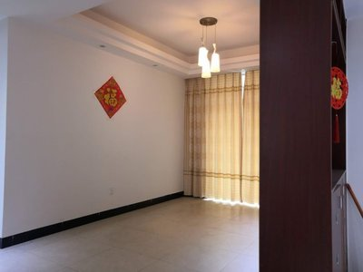 水岸新城三房两厅两卫