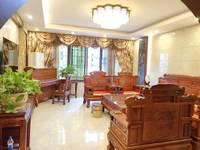 枫叶联排别墅豪华装修,带院子,268万,思源小学于都中学。