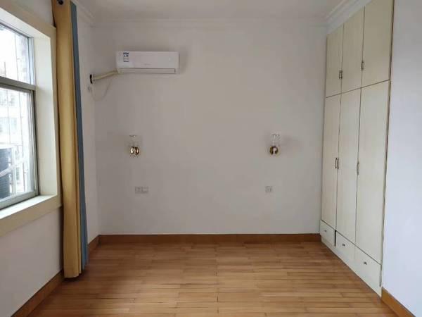 出售长征大道3室2厅2卫131平米82.8万住宅