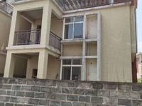 枫叶花园双拼别墅,5室2厅4卫216平米369万住宅,双学区