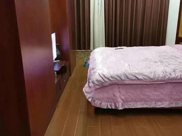 出售枫叶花园5室2厅5卫177平米268万住宅